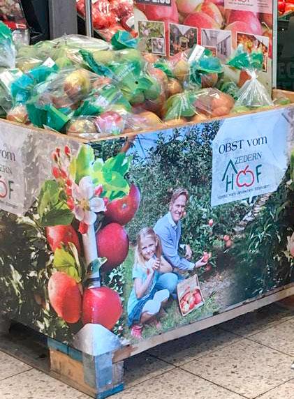 Erntefrische Äpfel und Birnen vom Zedernhof
